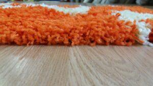 covor portocaliu cu spirale